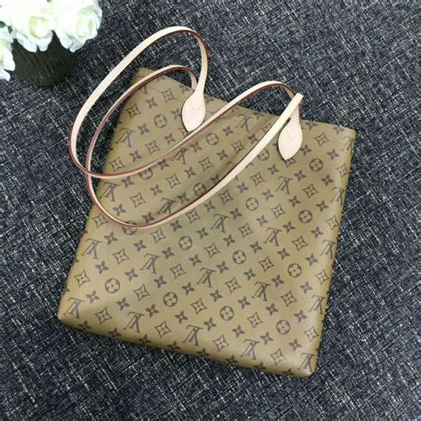 louis vuitton lv women carry  signature monogram reverse canvas lulux