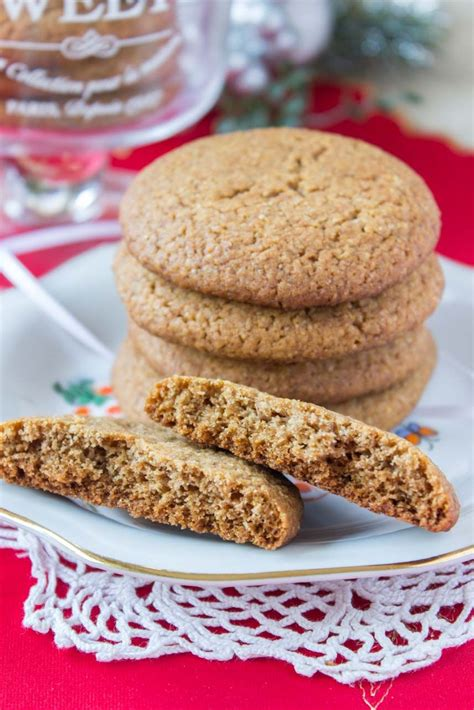 A recipe that doesn't replace sugar with honey or loads of cream and fat. Delicious Honey Cinnamon Cookies with whole grain flour ...