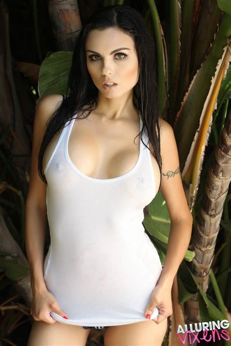 Krystle Lina Wet And Nipply Alluring Vixens Galleries