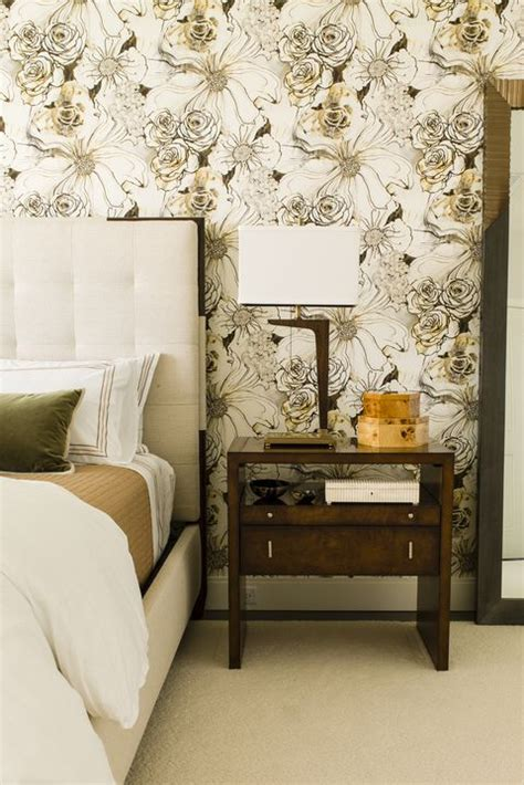 Fur Wallpaper For Bedrooms by 30 Bedrooms With Statement Wallpaper