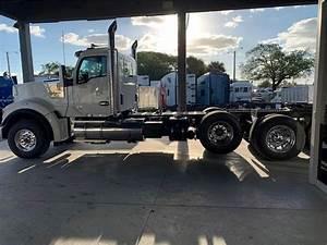 2020 Kenworth W990 Tri Axle Day Cab Truck