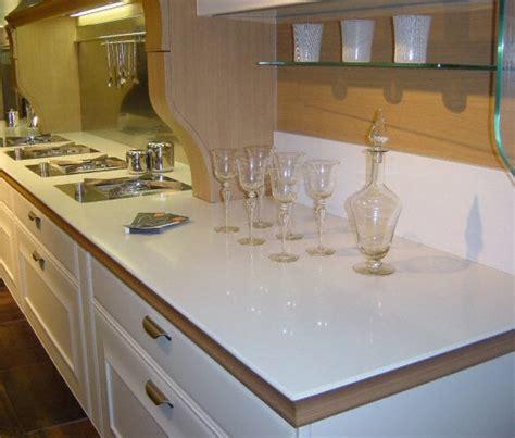 quartz plan de travail cuisine cuisine plan de travail de cuisine classique clair en