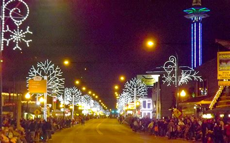 gatlinburg tn turn  christmas lights