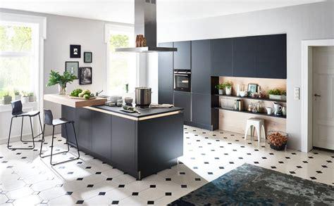 Nolte Flair Küche  Schwarz Edelstahl Und Mittelinsel
