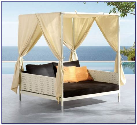 deluxe patio swing daybed with canopy patios home