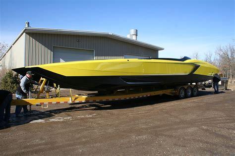 een zelfgebouwde lamborghini aventador powerboat met