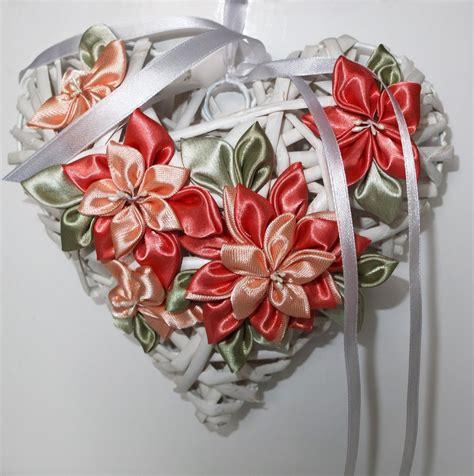 fiori nascita cuore di vimini fiocco nascita con fiori kanzashi
