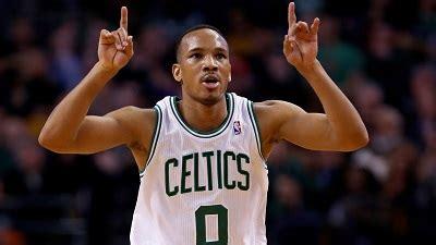 Boston Celtics Officially Re-Sign Avery Bradley To ...