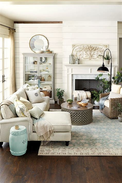 catchy elegant country living room    living