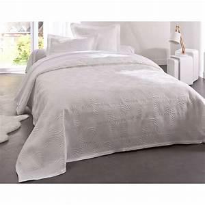 Couvre Lit Blanc : becquet couvre lit blanc brandalley ~ Teatrodelosmanantiales.com Idées de Décoration