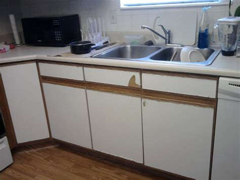 laminate kitchen cabinets can you reface formica kitchen cabinets wow 3635