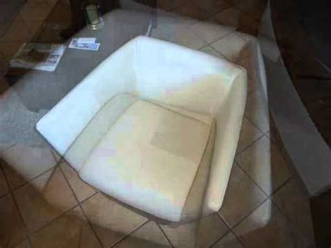 produit pour canapé cuir produit pour nettoyer canape cuir blanc detailing concept