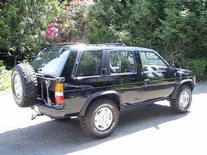1992 Nissan Pathfinder – pictures, information and specs