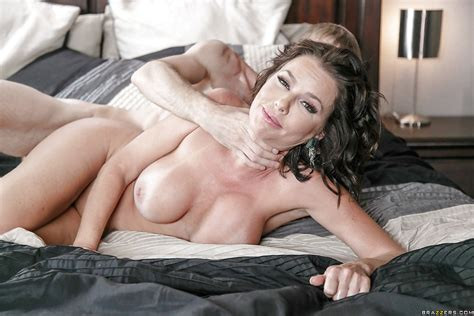 Big Boobed Milf Pornstar Veronica Avluv Engaging In Rough Sex On Bed