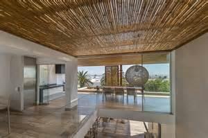 modern home interior ideas techos de madera y bambú en la casa panda