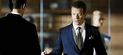 Suits Max Beesley Huntley Stephen Gifs Giphy