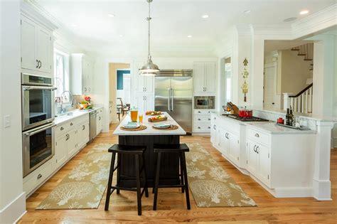 builder chooses cliqstudios cabinets    home