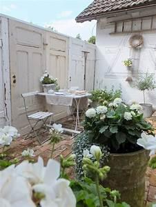 Türen Für Draußen : garten blumen deko garten blumen deko ~ Lizthompson.info Haus und Dekorationen