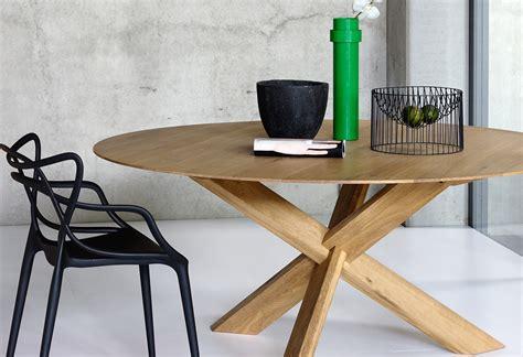 cuisine blanc et noyer table ronde contemporaine avec rallonge