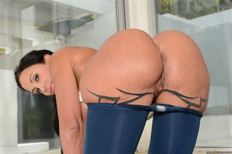 Jewels Jade in pantyhose shows her hot body and sexy big ass - My Pornstar Book