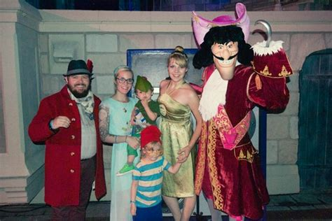 Partner Halloween Costume Meningrey