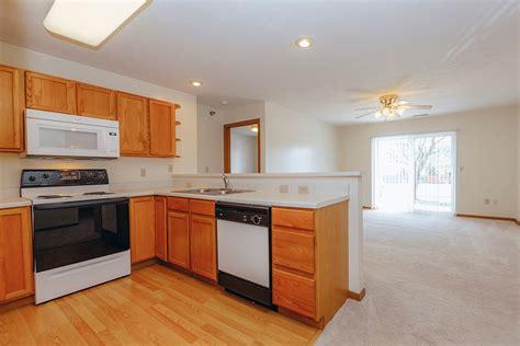1 Bedroom Apartments Lincoln Ne by 2 Bedroom Apartments In Northeast Lincoln Ne Sunridge