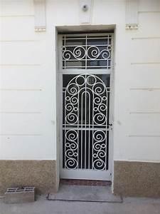 Grille Porte D Entrée : grilles de porte porte d 39 entr e faites une entr e ~ Melissatoandfro.com Idées de Décoration