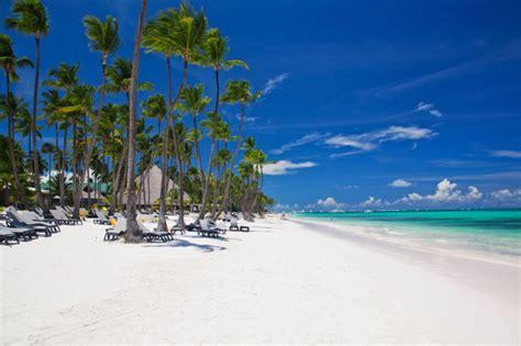 budget travel warm winter vacation getaways