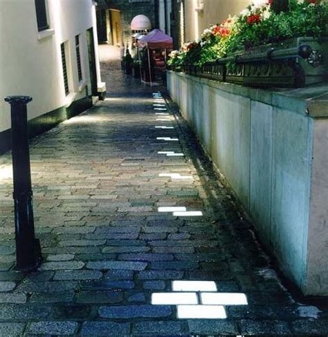 25 best ideas about walkway lights on solar