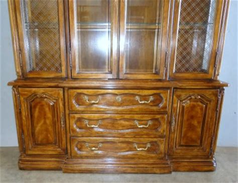 Bernhardt Hibriten China Cabinet by Hibriten China Cabinet By Bernhardt Furniture Co