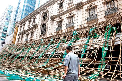 residents  hong kong battle debris  typhoons aftermath phnom penh post