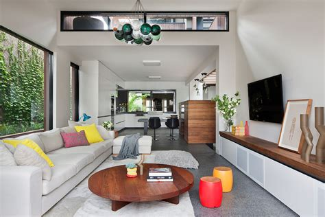 a beautiful melbourne house that connects with its exteriors