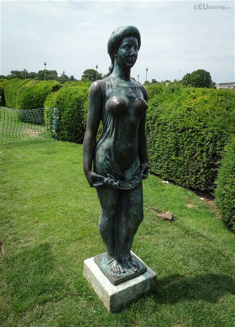 Photos of Goddess of Spring statue Flore by Aristide ...