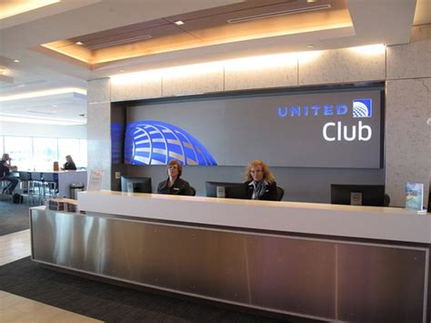 united airlines service desk iah ua club entrance desk picture of united airlines