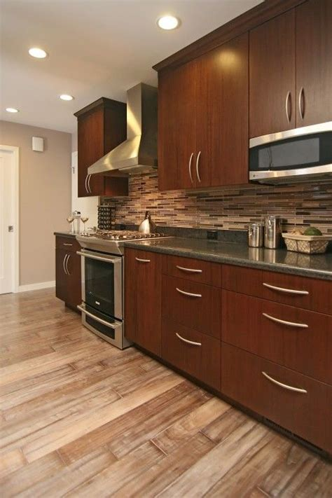 vinyl kitchen backsplash best 25 laminate floors ideas on 3279