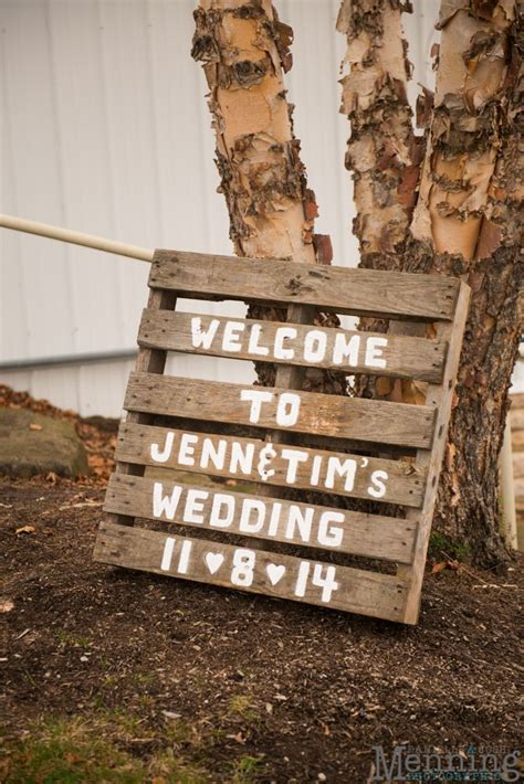pallet wedding decoration at the links at firestone farms in columbiana oh wedding