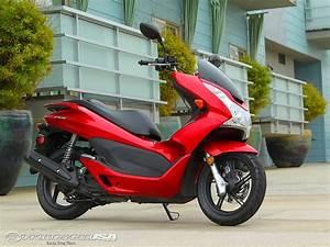 Honda 125 Pcx : honda pcx 125 skuter matik asyik shandybt ~ Medecine-chirurgie-esthetiques.com Avis de Voitures