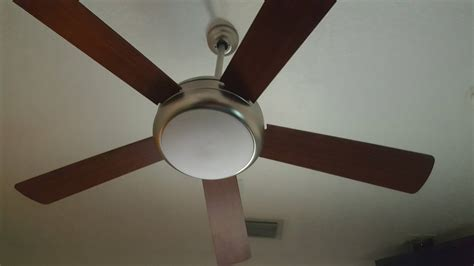How To Change Light Bulb In Ceiling Fan by Ceiling Fan How Do I Change The Light Bulb In This Fan