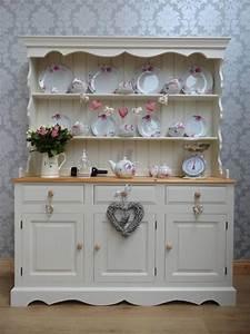 Shabby Chic Dresser : 1000 ideas about shabby chic shelves on pinterest shabby chic shelving and shabby chic furniture ~ Sanjose-hotels-ca.com Haus und Dekorationen