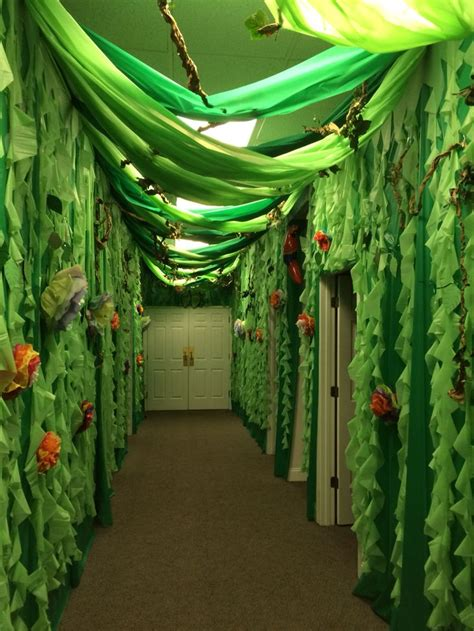 jungle theme ideas  pinterest jungle theme