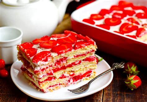 Nereāli garšīga kūka ar zemenēm 30 minūtēs - bez cepšanas ...