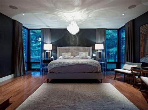 Elegant Bedrooms Design With Bedding Accessories Ideas