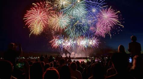 celebration of light 8 best places to the honda celebration of light