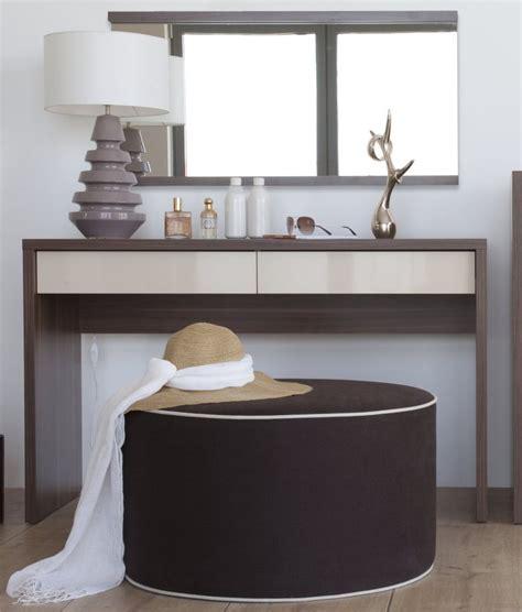 coiffeuse moderne pour chambre meuble coiffeuse inbox chambre contemporaine adulte