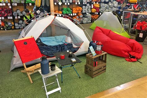 10 stores to buy camping gear and equipment in Toronto