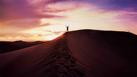 hd hintergrundbilder himmel abend sand wueste mann desktop