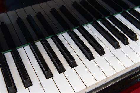 safely whiten ivory piano keys