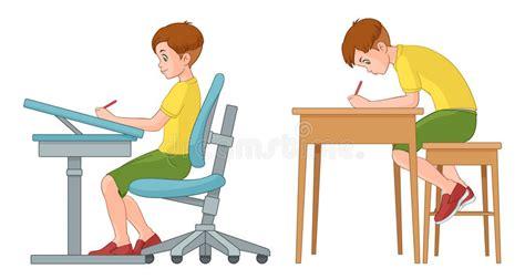 posizione seduta corretta scrittura ragazzo dello studente posizione seduta