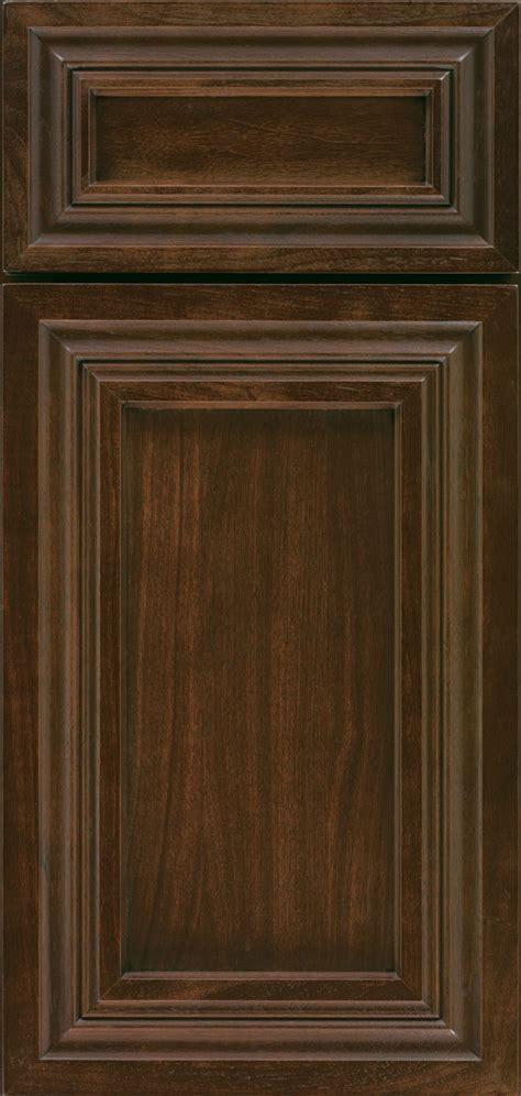 glaze oak kitchen cabinets conklin cabinet door style omega cabinetry 3832