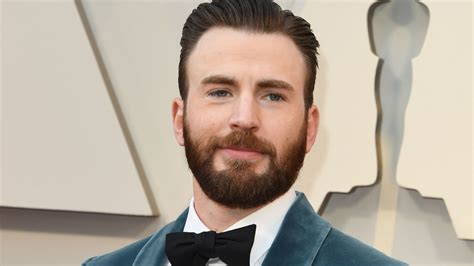 Chris Evans Opens Up About That 'Embarrassing' NSFW Leak ...
